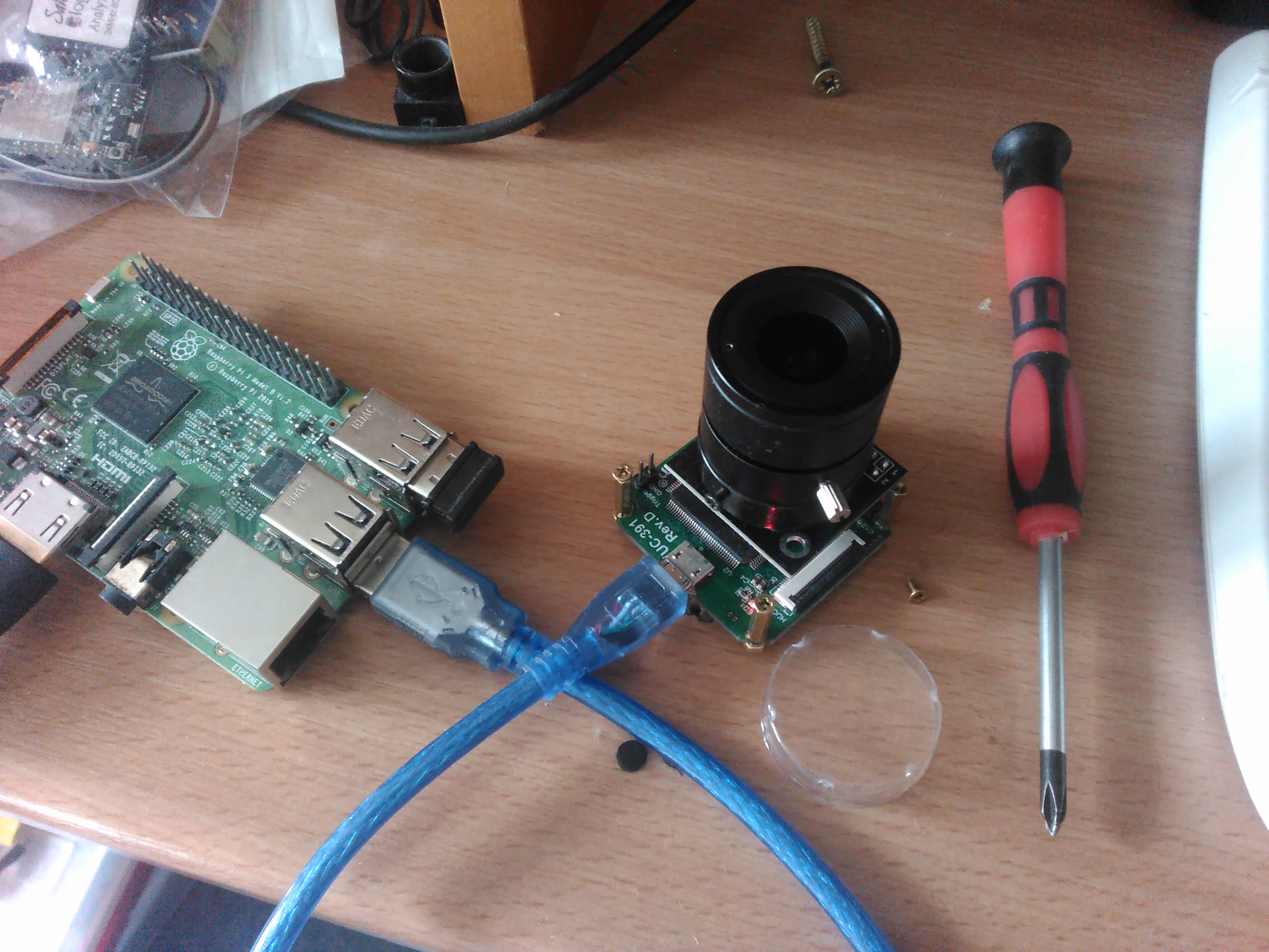 Reading 8bit synchronous data @ 30MHz - interface RPI3 with camera